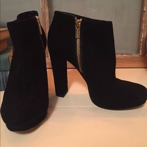 Michael Kors black heels size 6
